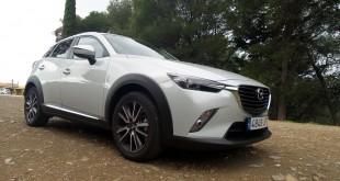 Mazda continúa su apuesta por el segmento SUV con el CX-3