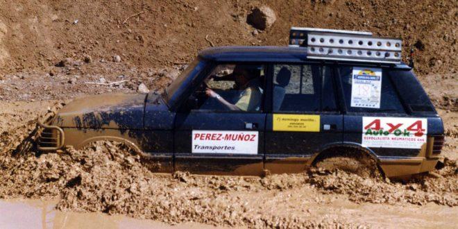 Land Rover Discovery en la Aventura en el Barro