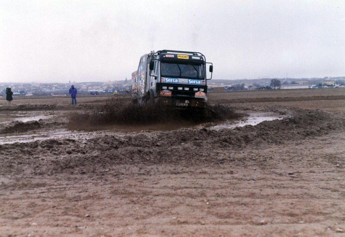Camión 4x4 en la prólogo del Granada Dakar 1999