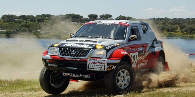 Carlos Sousa con Mitsubishi Strakar en la Baja Portugal Vodafone 1000