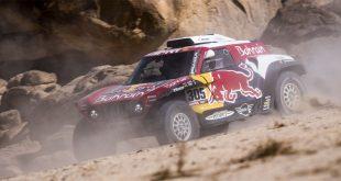 Carlos Sainz sigue haciendo historia en el Rally Dakar al conseguir la victoria en Arabia Saudí