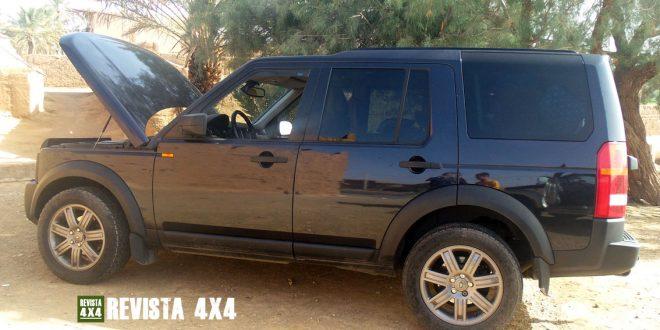 Land Rover Discovery averiado