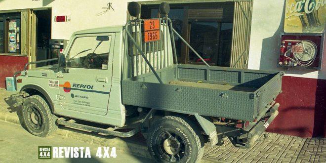 Suzuki Samurai Long Body Pickup adaptado reparto Repsol Butano