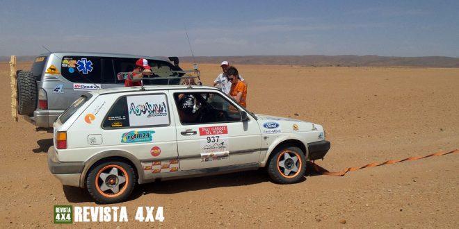 Volkswagen Golf en Rally en el Desierto