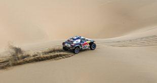 Carlos Sainz consigue la victoria en la última etapa y termina el Dakar en tercera posición